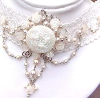 A Bower of Roses bridal choker by CreativityJewellery