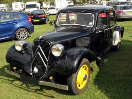 Traction Avant by loganberrybunny