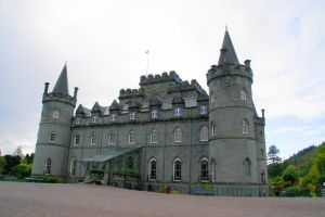 Inveraray Castle by hanimal60