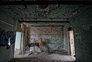 Tia: Peeling Paint by tom2001