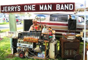 Jerry's one man band by swimmingotter