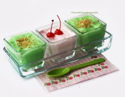 Pistachio Pudding w/ Strawberry Cream by theresahelmer