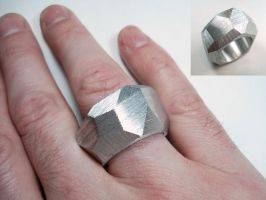 ring a day 66...facets by noformdesign