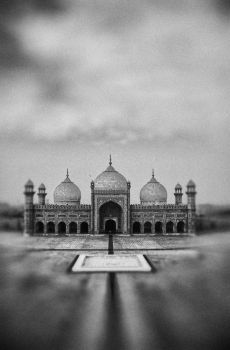 Badshahi mosque- again by archiepunjabi