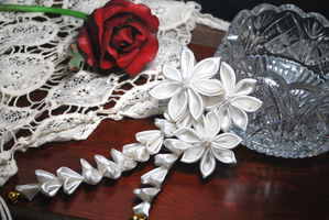 White Romance. CustomKanzashi. by hanatsukuri