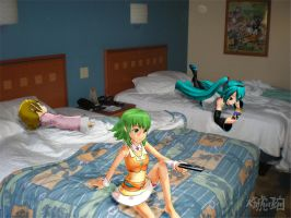Vocaloid Disney Vacation: Pop Century Hotel Room by TheKohakuDragon