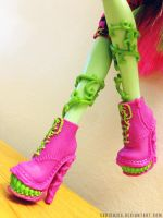 These boots are made for chompin' by sabishisa