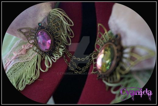 Butterfly filigree clasp for Caterpillar by Cyanida
