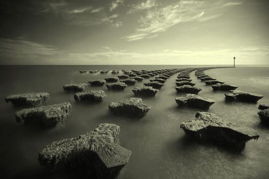 Felixstowe Infrared by henroben