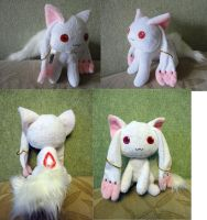 Kyuubey plushies by Rens-twin