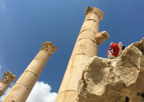Puggle on the ruins by Kenthayle