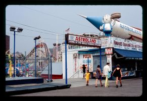 Coney Island by Inonesecond