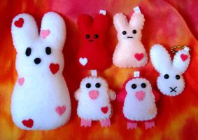 Love is in the air Plushes by P-isfor-Plushes