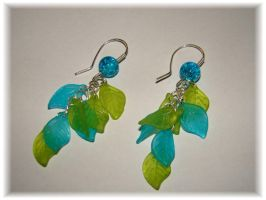 Blue and green leaf earring by jasmin7