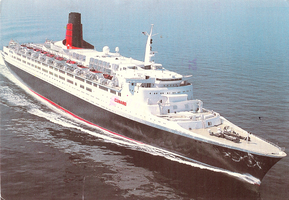 Qe2 in her prime by 121199