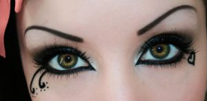 Gothic Eyes by HelianthusMay