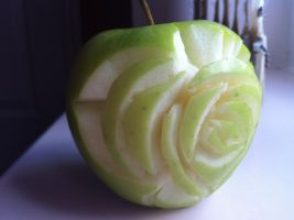 Rose Apple Carving by tskukiusachan92
