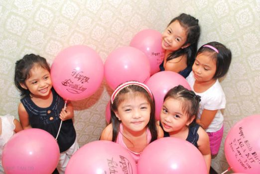 kids with Balloons by jmie