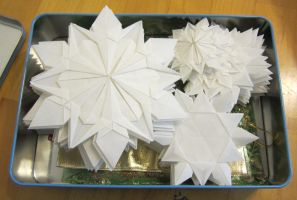 Origami Snowflakes by FroggyDreams