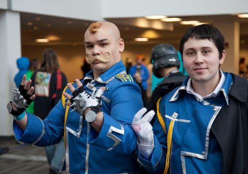 Armstrong and Mustang Cosplay at Ohayocon 2014 by sebastianluu
