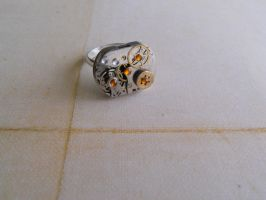 Steampunk mechanical ring with zircons and gears by SteamJo