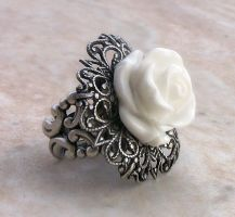 White Rose Ring by Aranwen