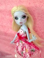 Miss Candy (Customized Abbey Bominable doll) by Katalin89