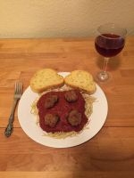 Spaghetti and Meatballs by GentlemanY