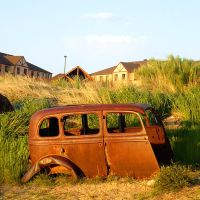 abandoned and rusty by HappyStarfish85