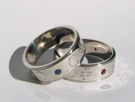 Engraved platinum bands by Mayavati