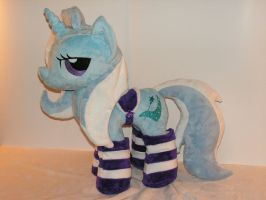 Trixie Plush- With Accessories by KarasuNezumi