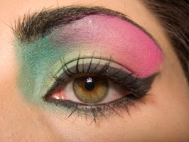 Green Pink Big Eye by soffl