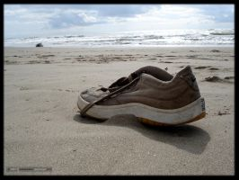 Shore Series no.02 - Shoe by deviantdark