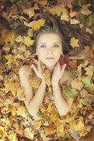 PhotoSession-InAutumnLeaves1 by RuslanKadiev