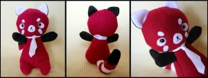 Red Panda Plushie by HezaChan