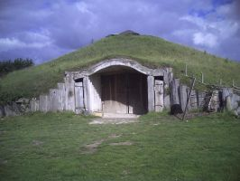 Reconstructed Iron age earth house. by Iglybo