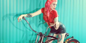 Polychrome Pin me up by ONE-Photographie