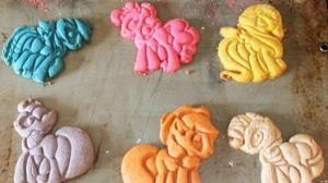MLP My Little Pony Cookies by siobhanni