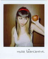 musa biancaneve. ID. by thesubliminalbeauty