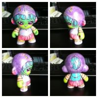 Rock-it Gurl Custom Vinyl Toy by marywinkler