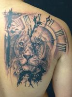 Lion and clock by Robert-Franke