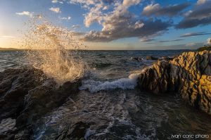 The wave on the rocks by ivancoric