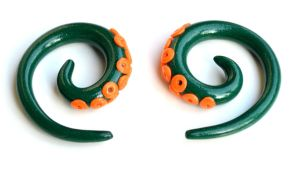 Tentacle Gauges in Orange and Green 001 by Dabstar