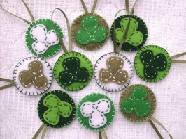 St Patrick's Day felt ornaments by PeachPodHandmade