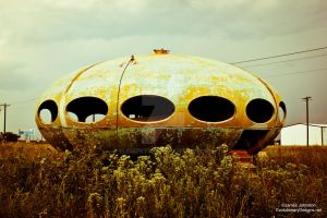 Abandoned Futuro House by element321