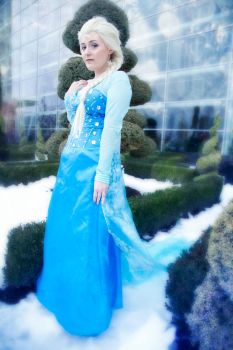 Elsa - Conceal, Don't Feel by Nyxiie