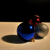 Bauble Joy VI by dom90nic