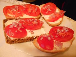 Sandwiches With Tomatoes, Mascarpone And Onion by MaRyS90