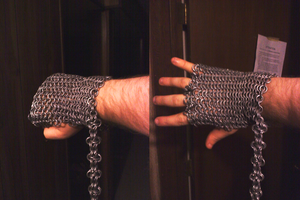 Chainmail glove by Rictor-Omaga