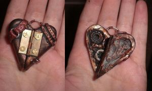 Steampunk Heart by Reyndrys